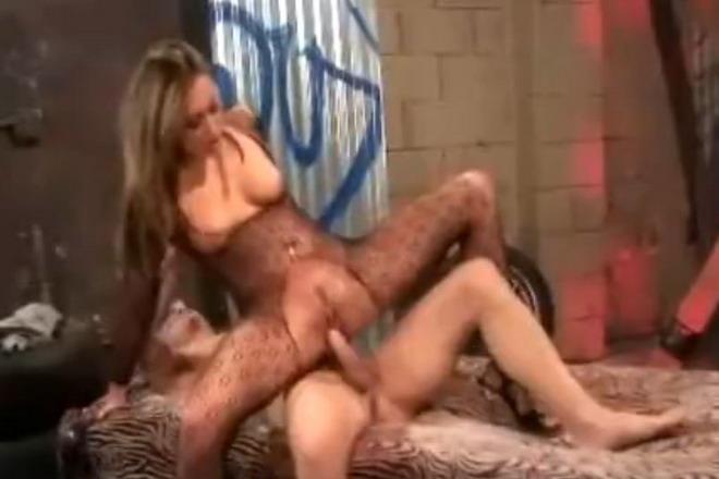 سیکس ویڈیوز میں نوکرانی چودی