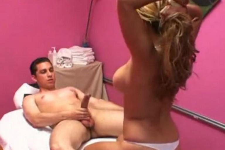ہاٹ سیکس ویڈیوز میں سیکسی لرکی کی چدائی
